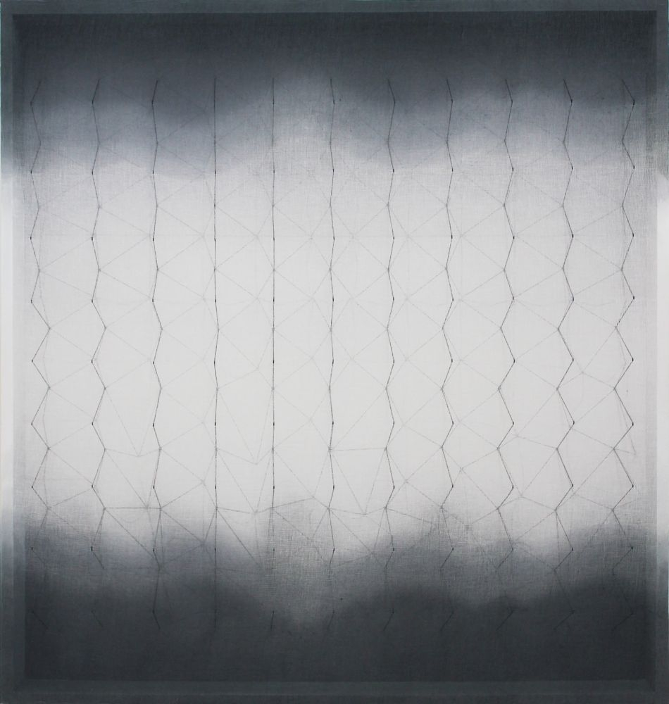 In-certo, tarlatana tinta e filo di cotone su tela serigrafata, 2014