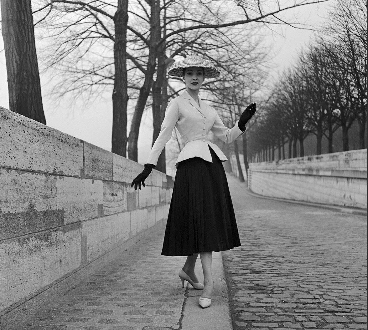 New Look-tailleur Bar-Christian Dior