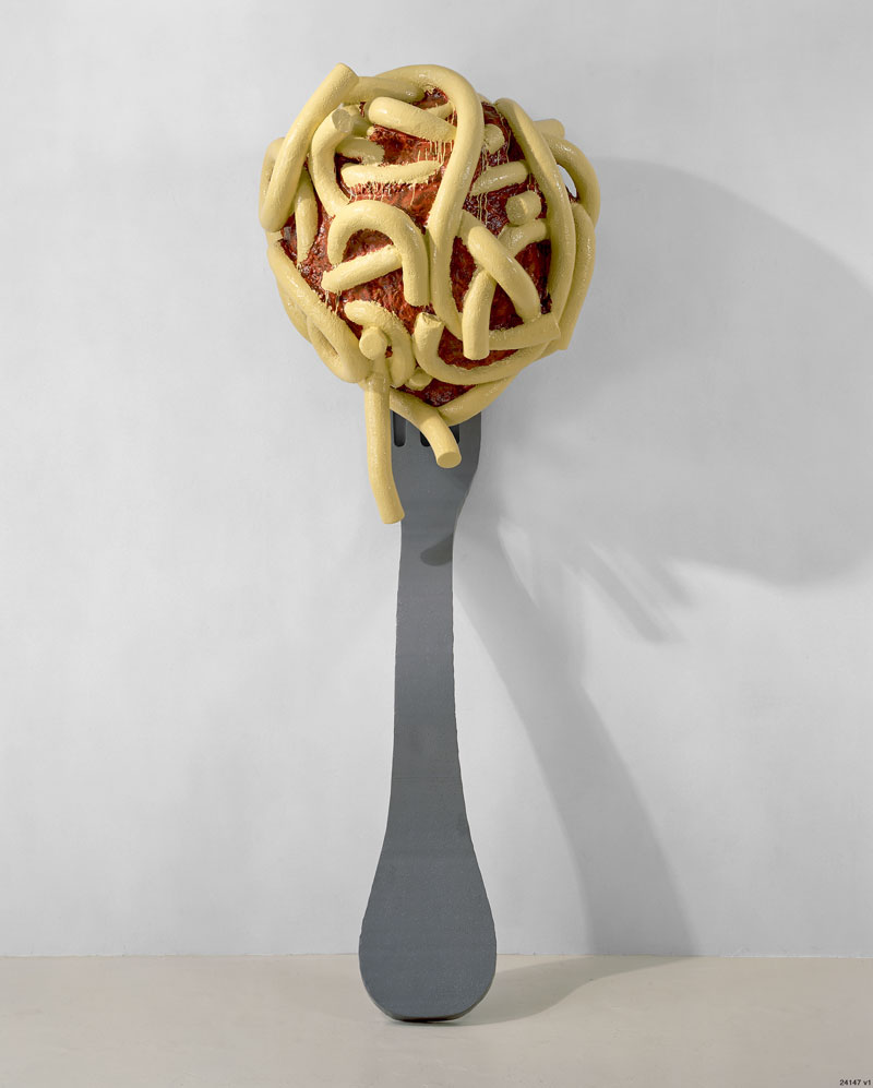 Arts&Foods-Claes Oldenburg and Coosje van Bruggen, Leaning Fork with Meatball and Spaghetti II, 1994, Fiberglass painted with polyurethane