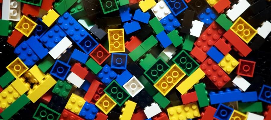 Lego-900x400