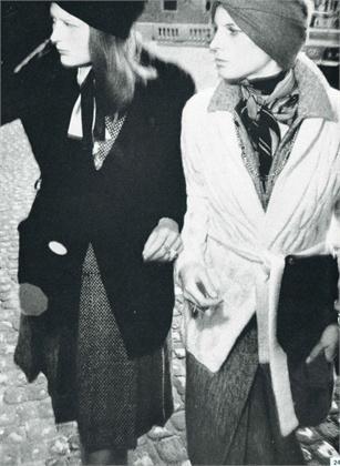 Photo by Oliviero Toscani 1972- Abiti Laura Biagiotti-Vogue Italia ottobre 1972
