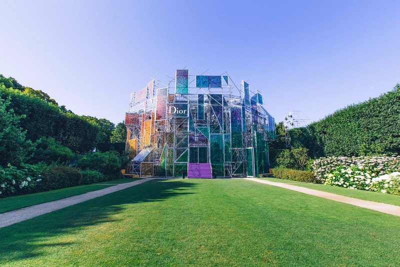 The-Musée-Rodin-hosting-the-Dior-couture-fashion-show-2015-2016