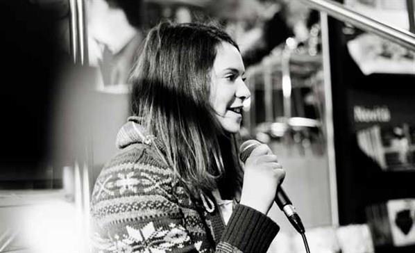 6- intervista presso Feltrinelli 14 febb 2012