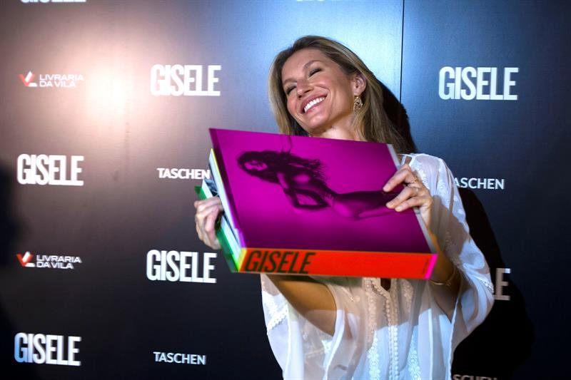 Gisele alla presentazione del libro in Brasile