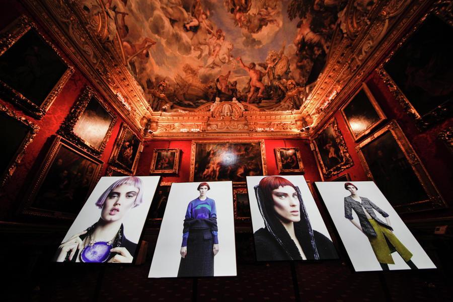 3-Karl_Lagerfeld_Vision_of_Fashion