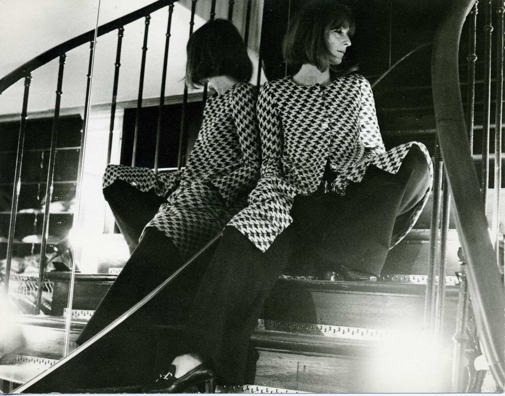 231968-Mme-Rykiel-ouverture-de-la-première-boutique-rue-de-grenelle-en-mai-1968-BD