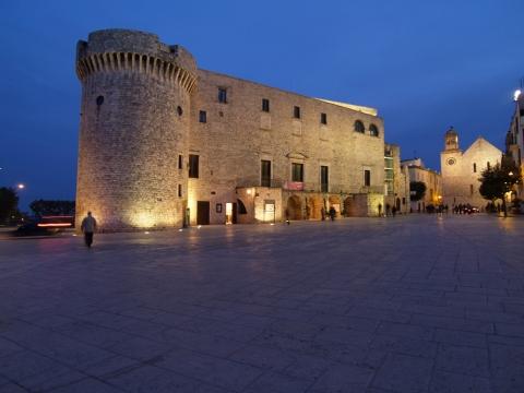 Castello Acquaviva D'Aragona