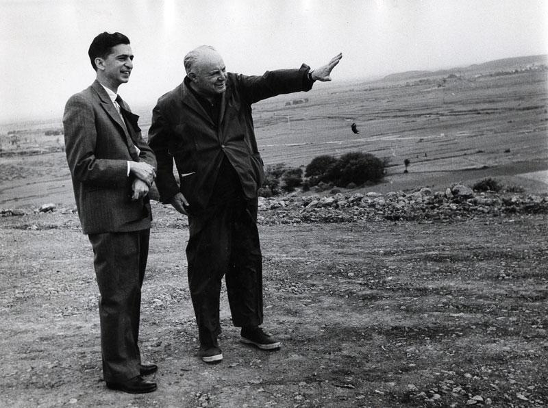 6-gio-ponti-con-mr-nemazee-a-teheran_1957-circa