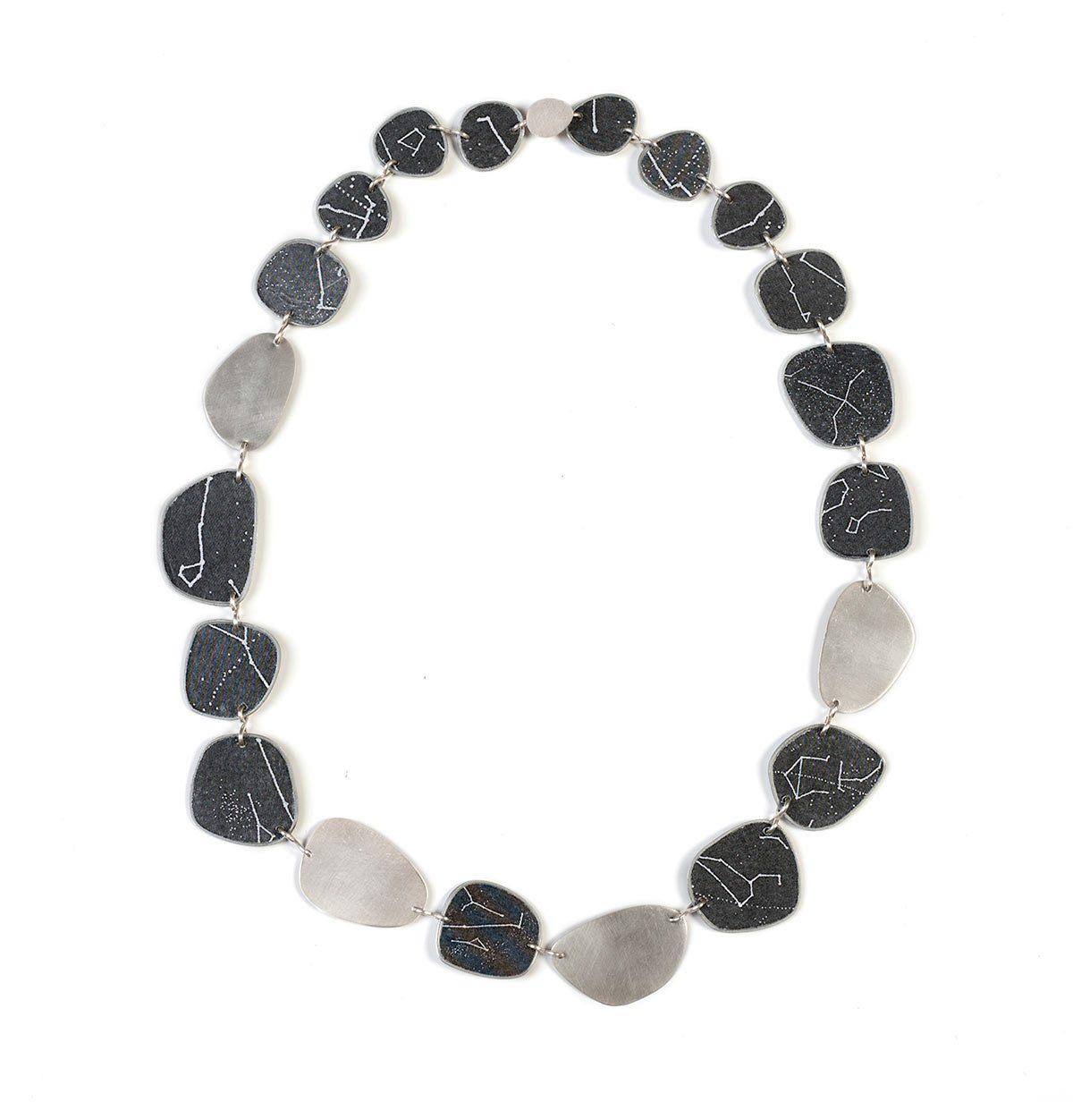 14-stefania-bandinu-girocollo-in-argento-carta-laccata-e-alluminio-collezione-galattica