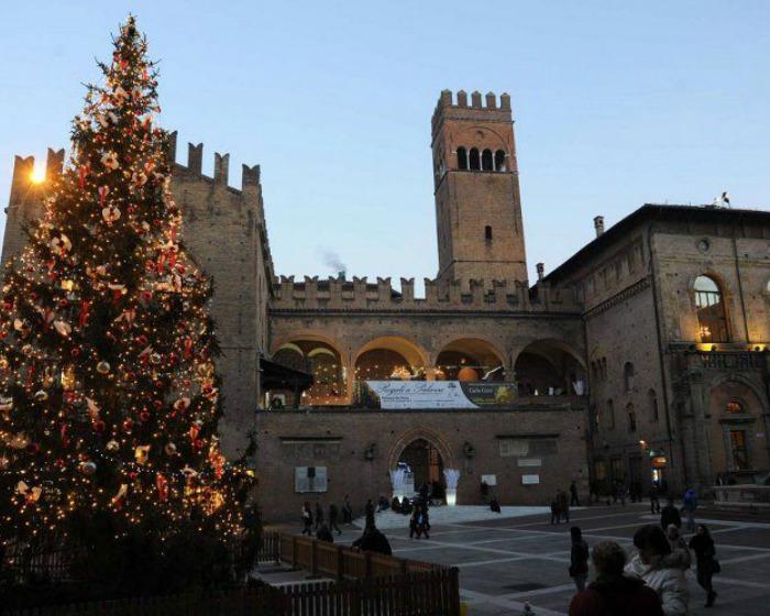 Regali a Palazzo. Bologna