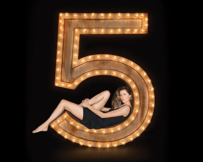 La nuova donna Chanel N°5