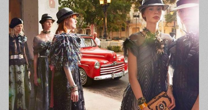 Chanel Cruise Collection 2016-2017sfila a Cuba