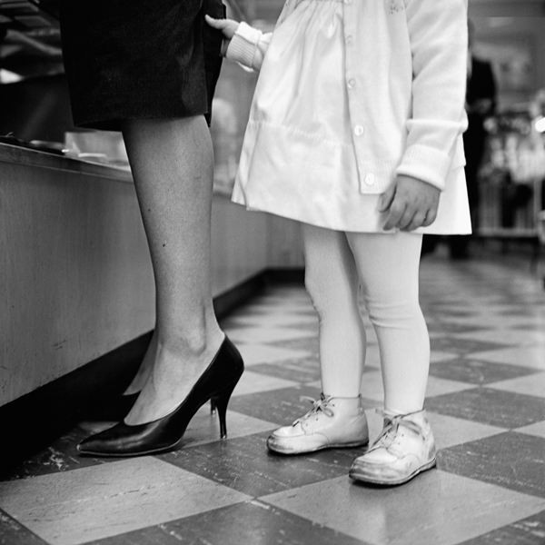 Vivian Maier senza titolo 1962 © Vivian Maier Maloof Collection Courtesy Howard Greenberg Gallery New York